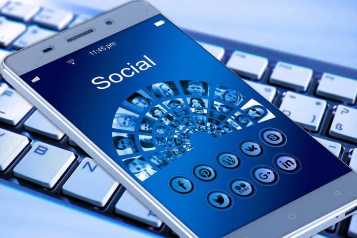 Jak założyć konto na Facebook?